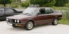BMW E28 Vorfacelift dunkelrot